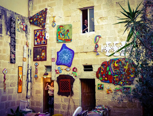 Art and people at Cocohub Malta