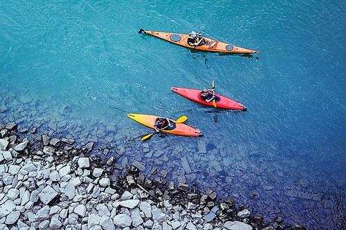 dog travel Malta by kayak