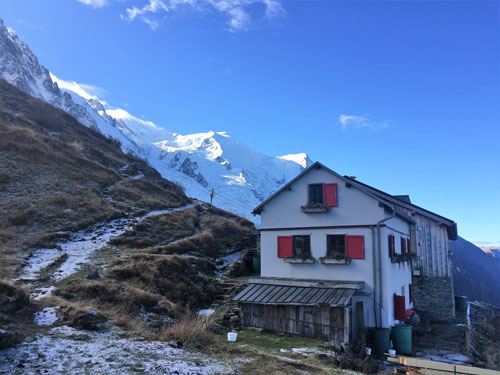 Mountain hut you can stay in when dog hiking French Alps