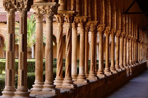 Temple in Sicily, beautiful columns