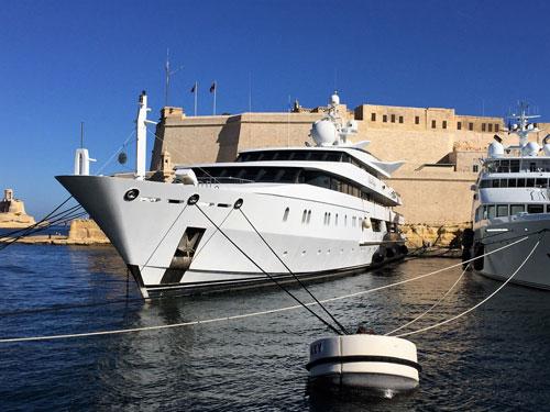 Luxery-Yacht-Malta